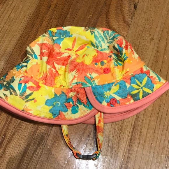 646c88fc54301 Baby Girl s Patagonia Sun Bucket Hat. M 5acb16f046aa7ca9ee9373bd